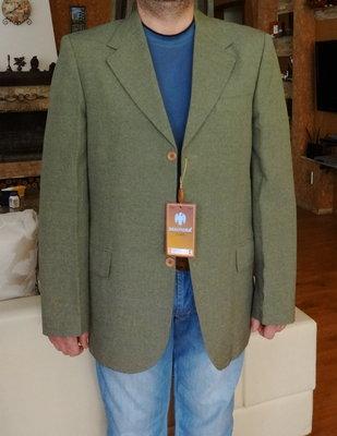 Пиджак мужской оливковый с рыжими пуговицами. Besonder. Германия. 50 и 52 размер.
