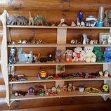 Деревянная полка для игрушек