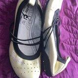 Новые кожаные женские туфли балетки на 37