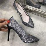 Натуральные классические туфли на шпильке 1701 ,р-ры 36-40,любой цвет