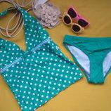 Ярко зелёный красивенный фирменный купальник