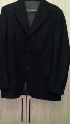 Продам мужской пиджак фирменный, очень дешево.