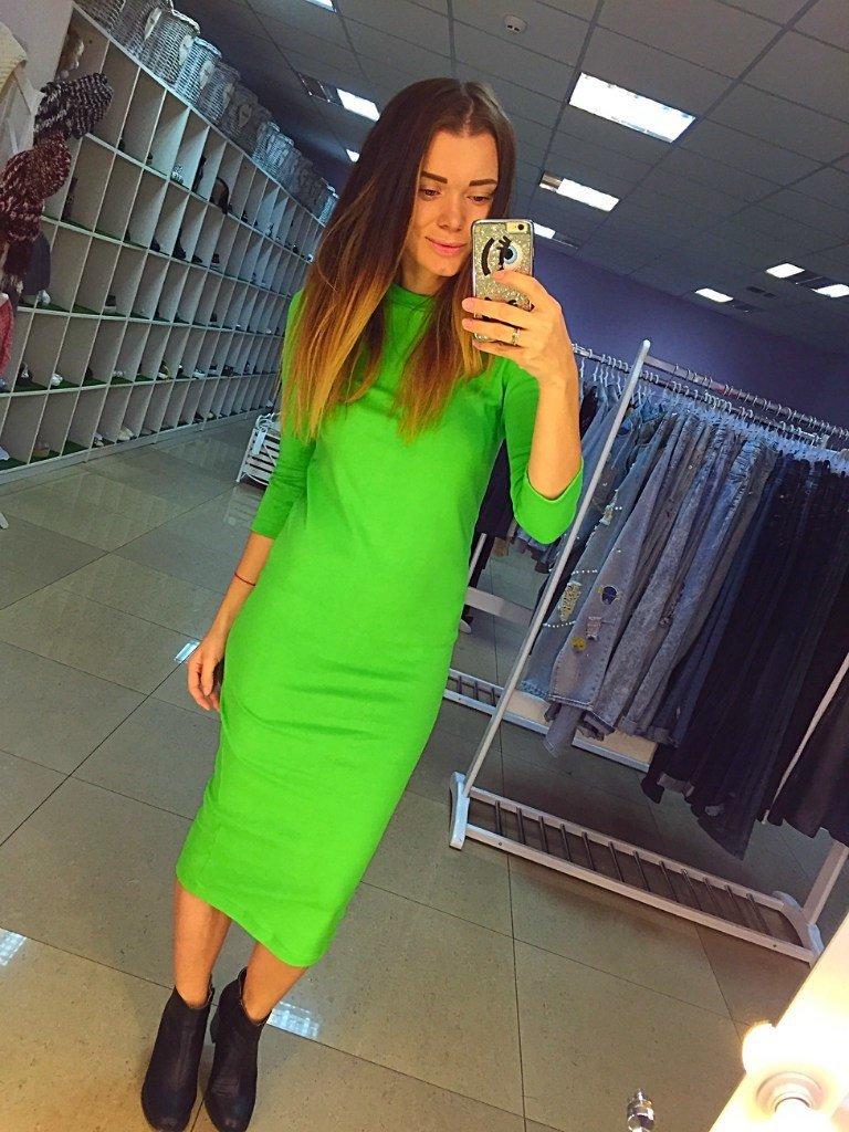 Зеленые платья в обтяжку