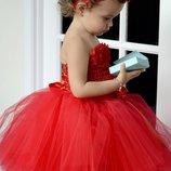Замечательное красное платье на вашу малышку.Новое.