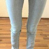 Джинсы светло-голубые 36 размер