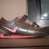 Кожаные кроссовки Nike р.37-38, ст. 24 см.
