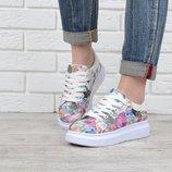 Слипоны на девочку белые Queen collection с цветочным принтом на шнуровке