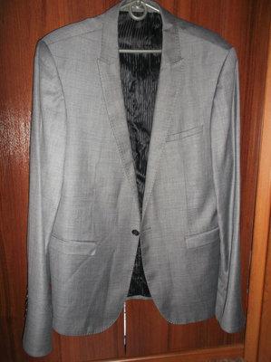 Пиджак мужской, серый.