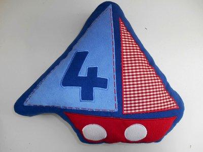 Декоративная подушка Кораблик