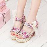 босоножки женские SEXI сандалии на танкетке каблуке цветочные летние