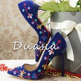 Синие туфли лодочки с вышивкой