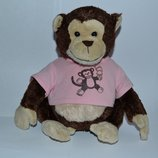 большая фирменная игрушка обезьяна в футболке новая высота 24 см оригинал
