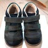 Крутые ботиночки Clarks
