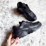 Женские черные кроссовки Nike Huarache кожаные