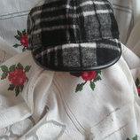 Супер кепка ,объем головы-53см.яркий бело-серо-черный цвет