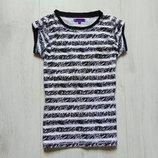 Стильная футболка для девочки. M&S. Размер 9 лет. Состояние отличное