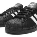 Кроссовки Adidas Superstar черно-белые.