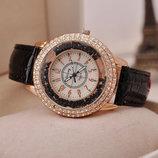 Новинка Модные стильные женские часы со стразами Cristall