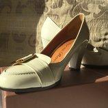 Лакированные туфли Giorgio Fabiani р.37