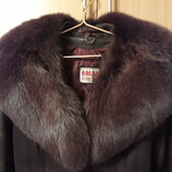 Пальто кожаное с меховым воротником