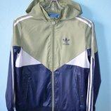 Курточка Adidas оригинал на рост 152 см