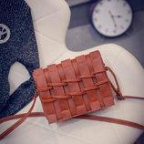 стильная женская сумка плетенная