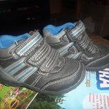 очень классные ботинки или высокие крассовки укр.п 12 гр