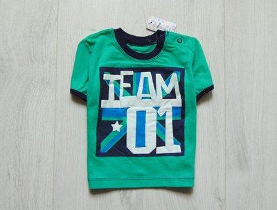 Новая яркая футболка для мальчика. F&F. Размер 6-9 месяцев