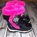 Фирменные зимние сапоги для девочки 19,5 см