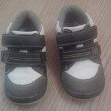 Кроссовки на мальчика или девочку 23 разм.