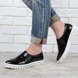 Туфли Mango женские лакированные черные на белой подошве