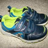 Кожаные светящиеся кроссовки Clarks р.26 17,5 см по стельке