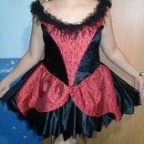 Карнавальное женское платье.
