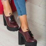 Наложенный Туфли закрытые на шнурках натуральная кожа высокий толстый каблук 13 см бордовые