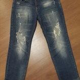 Стильные джинсы бойфренды с драми на коленях размер 42