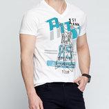 в наличии мужская футболка LC Waikiki ярко белого цвета с картинкой на груди