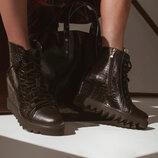 Удобные кожаные ботинки на скрытой танкетке Суперскидка