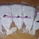 белые кружевные детские перчатки