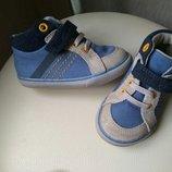 Ботинки, высокие кроссовки Clarks идеальном сост