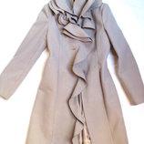 Шикарное кремовое пальто Италия,46 раз