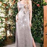 Стильное и слегка облегающее платье 606