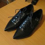 Стильные женские туфли эко-лак под тиснение питона