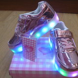 Кроссовки светящиеся турецкие розовые лаково-зеркальные. В наличии