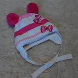 Демисезонная шапочка на девочку 1-1,5 годика