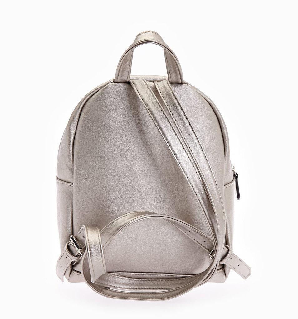 Продано  Городской рюкзак Stradivarius металлик - спортивные сумки ... a136c188078