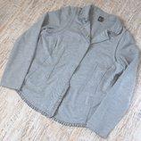 Красивенький фирменный трикотажный пиджак