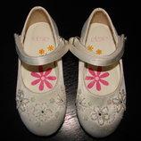 красивые туфли PipPin 22/23 разм. англ.6 стелька 14.5 см в отличном состоянии
