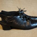 Элегантные черные кожаные босоножки со шнуровкой. Panache. Голландия 6 1/2 р.