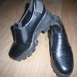 Продам модные туфли на тракторной подошве