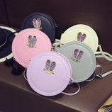Стильная круглая сумочка с ушками-стразами. В Наличии